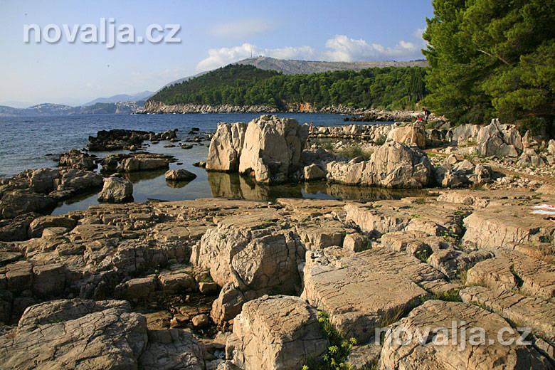 Kamenitá pláž, ostrov Lokrum
