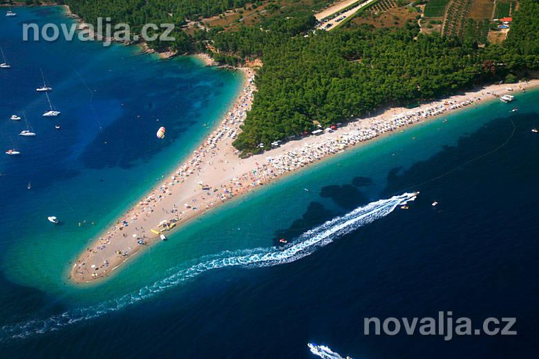 Pláž Zlatni rat -Bol, ostrov Brač